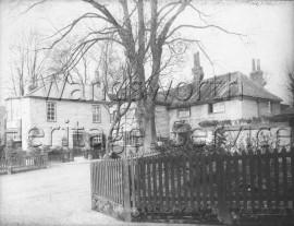 The King's Head, Roehampton High Street  –  C1900