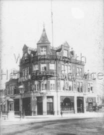 The Railway Hotel, Putney High Street  –  C1900