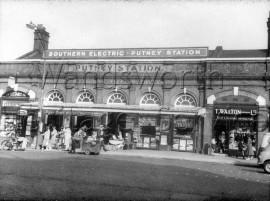 Putney Railway Station  –  C1963